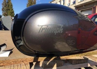 Triumph - lakování nádrže